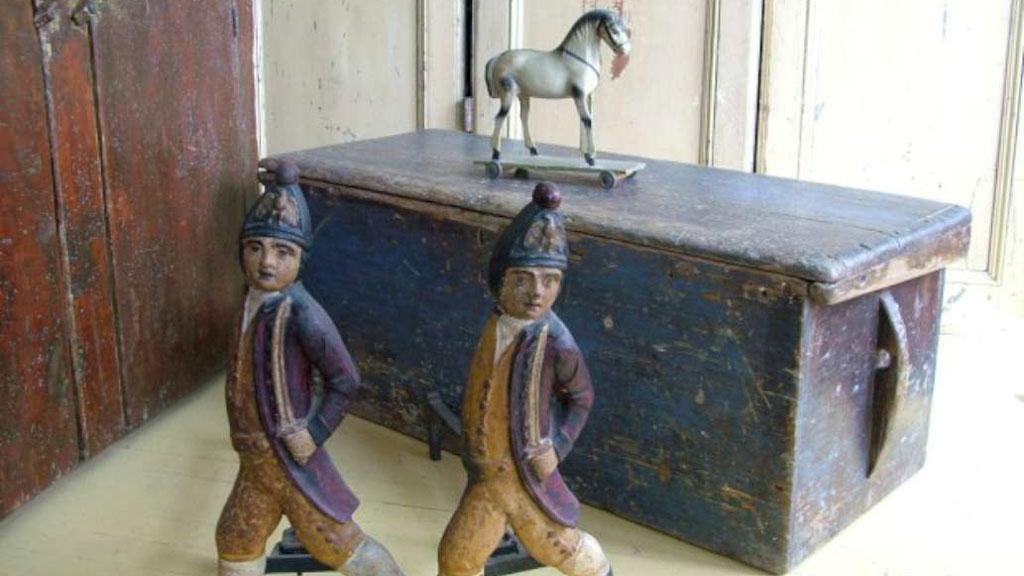 Salon d'antiquité et Art Populaire